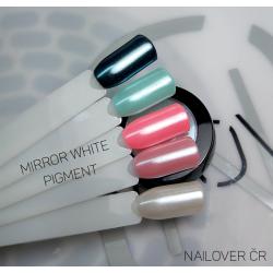 White mirror effect pigment